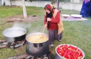 """Sakarya'da """"Eli Bereketli Kadınlar Kooperatifi""""..."""