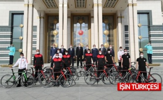 Sakarya Büyükşehir Bisiklet Takımı Cumhurbaşkanlığı Külliyesi'nde