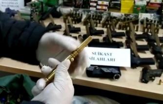 Kaçak silah operasyonunda kalem ve anahtarlık görünümlü ruhsatsız tabancalar dikkat çekti
