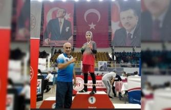 Başarılı minik boksör Rabia Eylül Duman, Avrupa'da Türkiye'yi temsil edecek!