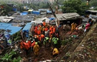 Hindistan'da toprak kayması yaşandı, yol çöktü, 204 kişi mahsur kaldı!