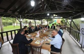 SUBÜ'de iç mekan tasarımı ve mobilya imalatı bölümü için protokol imzalandı