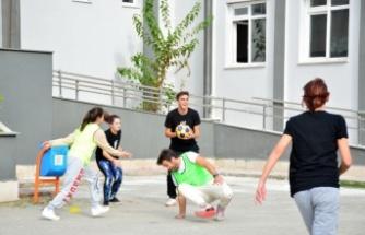 Sakarya'da cinsiyet eşitliğine dikkat çekmek için korfbol oynadılar