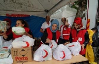 Türk Kızılayı'nın kadın gönüllüleri, afet bölgesinde yaraları sardı