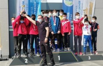 Genç Krosçular Ayçiçeği Vadisi'nde Yarıştı