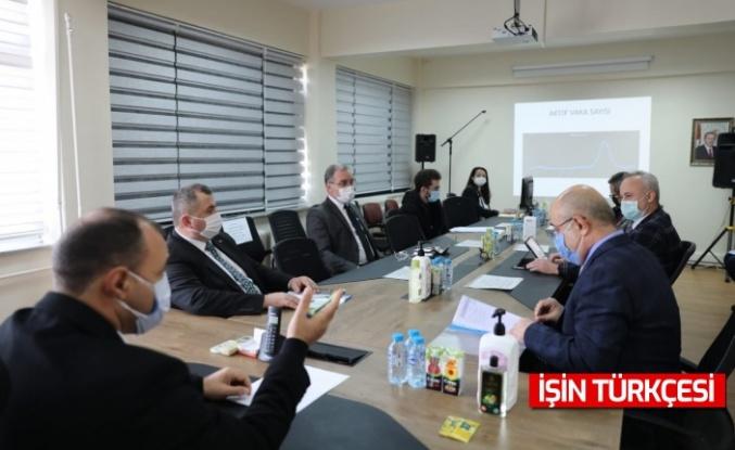 Vali Kaldırım'ın Başkanlığında Kaynarca İlçesinde COVID-19 Toplantısı Gerçekleştirildi