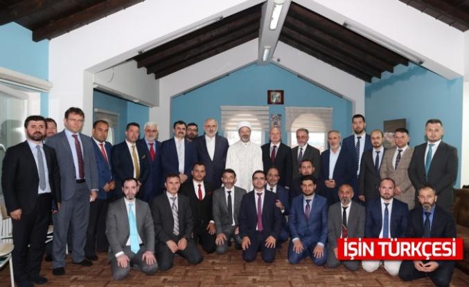 Diyanet İşleri Başkanı Erbaş, Prizren'de Kur'an kursunu ziyaret etti